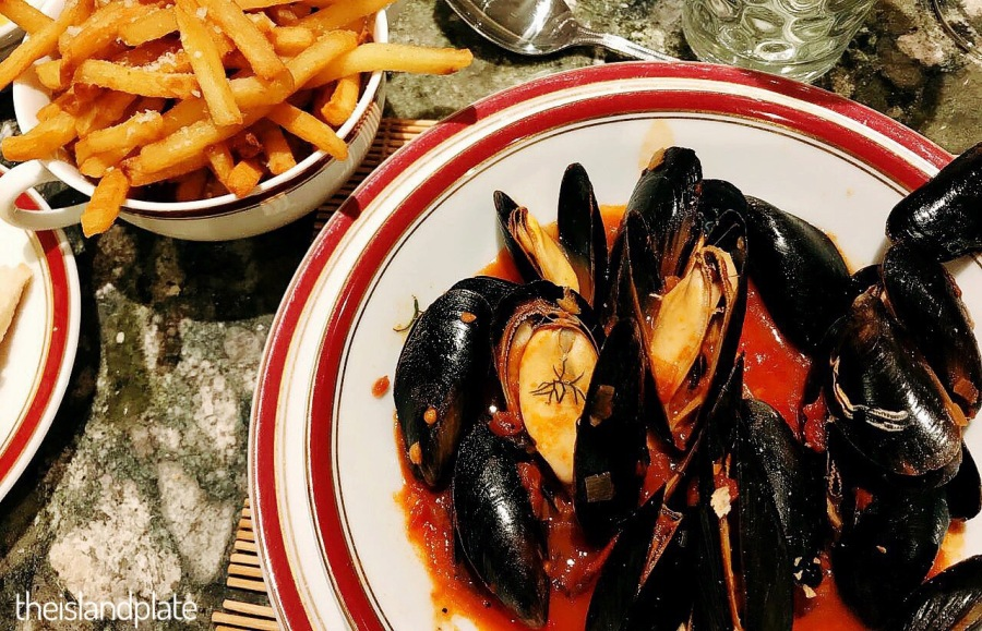 Moules in a spicy tomato sauce